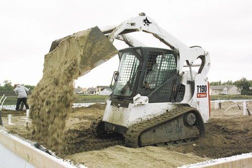 Where to rent SKIDLOADER T190 TRACK in Burnet TX, Lampasas, Llano, Marble Falls, Spicewod, Bertram, Horseshoe Bay